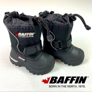 NWOT Baffin Winter Mustang Children Snow Boots